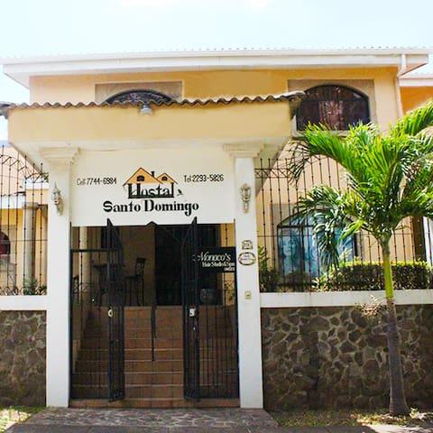 Hostal Santo Domingo. Room Playa San Juan del Sur