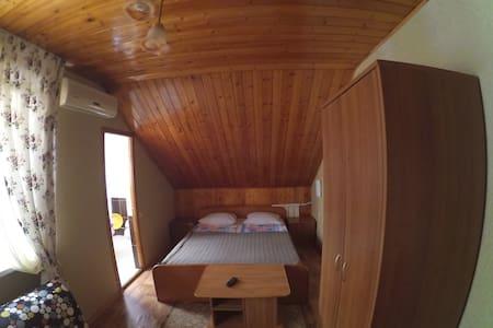 Уютный дом в центре (350м море) - Haus