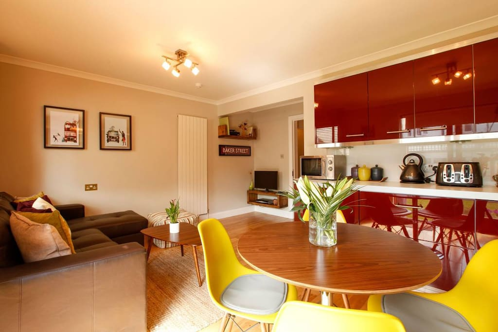 Kitchen/ Diner & Living Room
