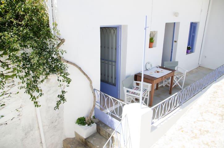 Το σπίτι με το γιασεμί/ The jasmine house - Ioulis - Casa