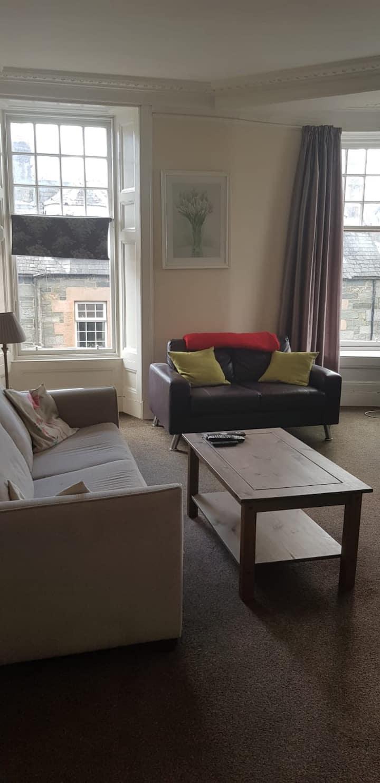 Very Large Victorian flat in the heart o Aberfeldy