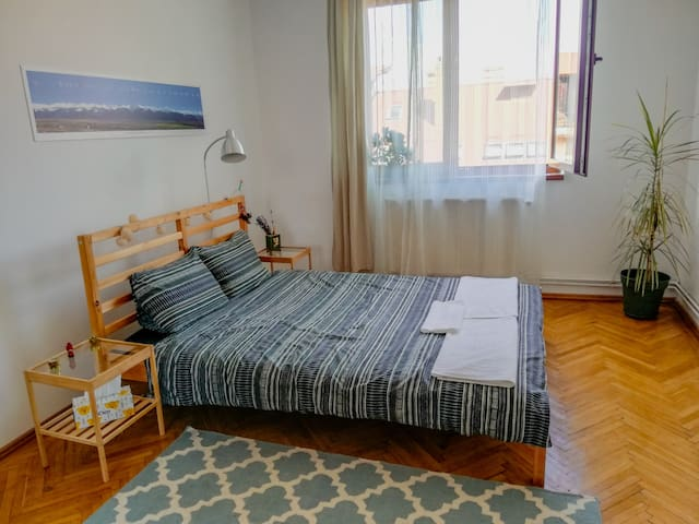 Peaceful & cozy room - 5min to the city center