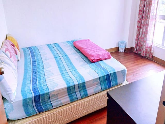 Pahlawan hostel Double Room#21 Aircone