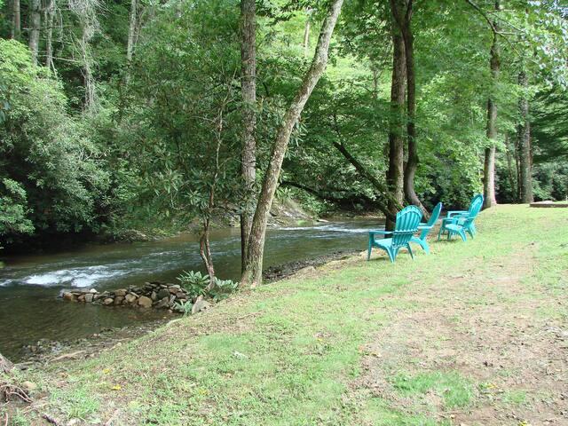 Creekside Cottage - Hayesville
