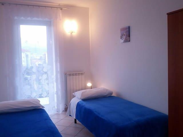 Graziosa camera vicino al mare - Valleggia (Savona) - Lakás