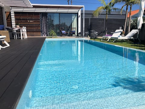 Charming Poolside Guest House in Madeira Island