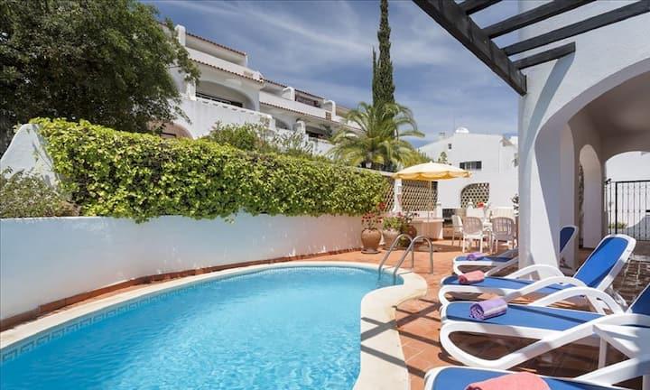 Casa Bella: 3 bedroom apt in Vale do Lobo, Algarve
