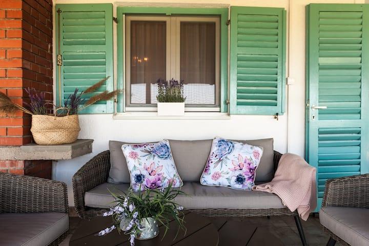 Lana's Dreamhouse - vacation & celebrations rental