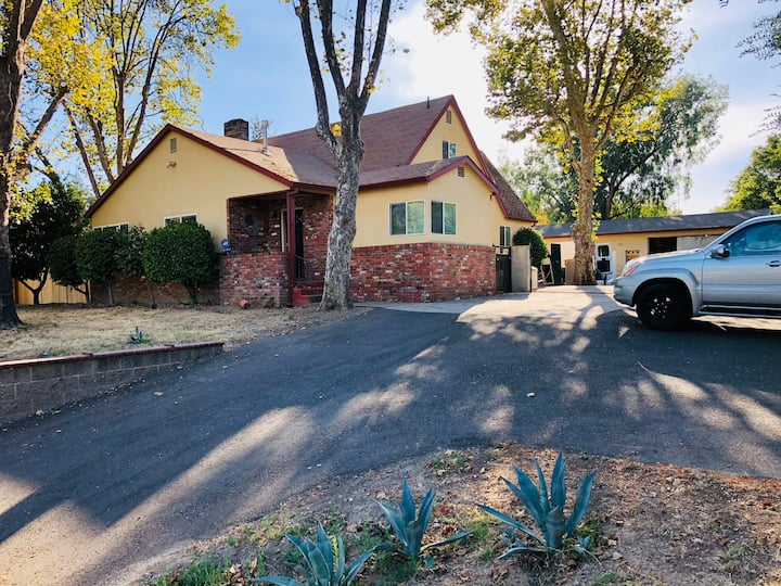 Fully renovated House in Citrus Heights!!