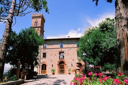 Un Castelluccio in Umbria - Città della Pieve - Castle
