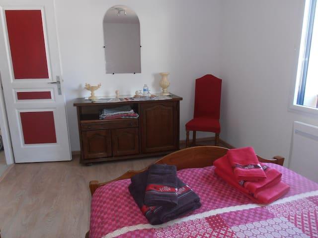 chambres d'hôtes familiales entre mer et campagne - Surzur - Dům