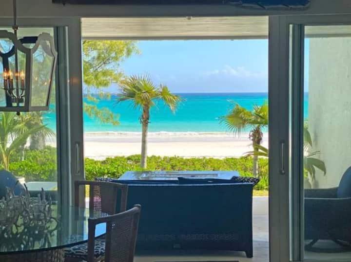Condo Beach Front Paradise - A/C-Wifi - Pool-Gym