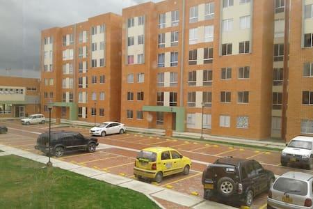 Habitación cerca a Bogotá D.C - Mosquera - Appartamento
