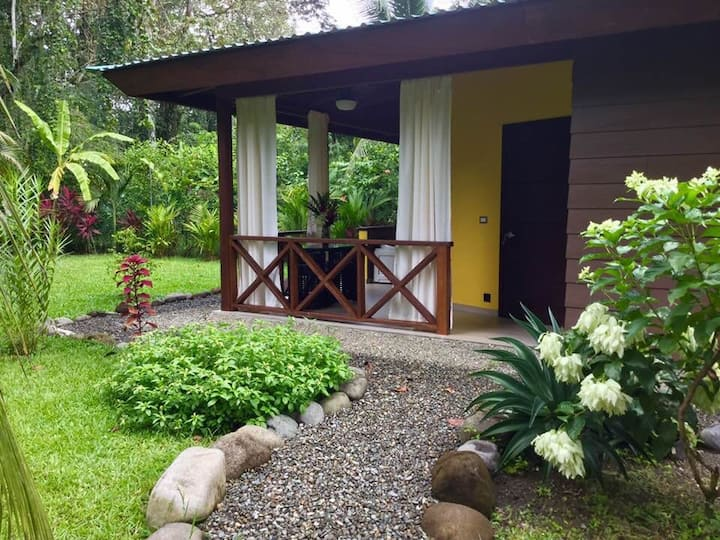 OASI Apartments Cahuita - Jacuzzi room Butterfly