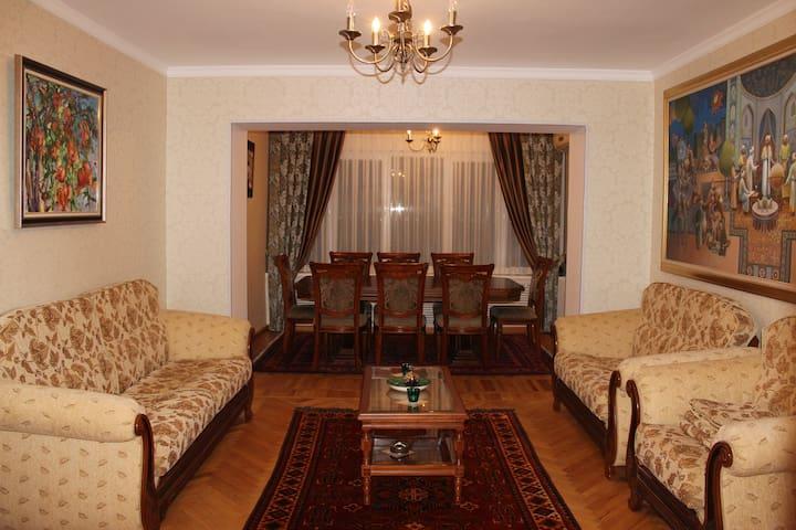 1 big bedroom apartment in the heart of Tashkent - Тошкент - Huoneisto