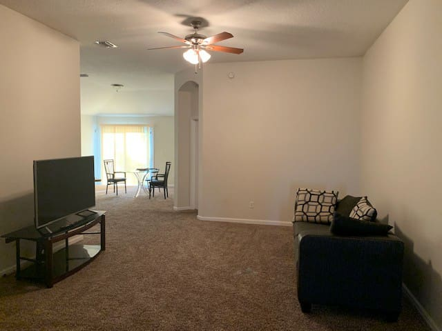 A private room with restroom at Westside Jax 103rd