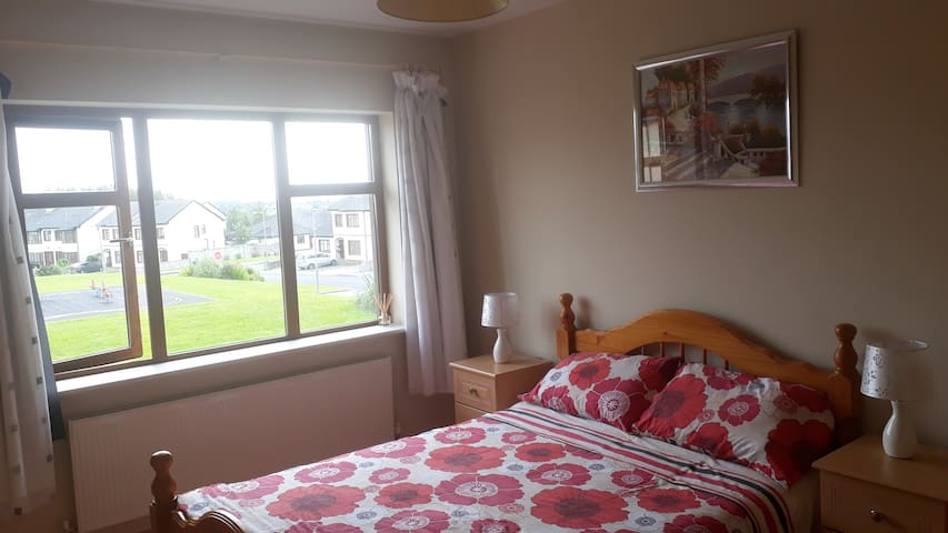 Large double room in Claremorris town