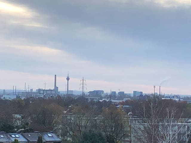 private flat - close to Duesseldorf - last floor 7