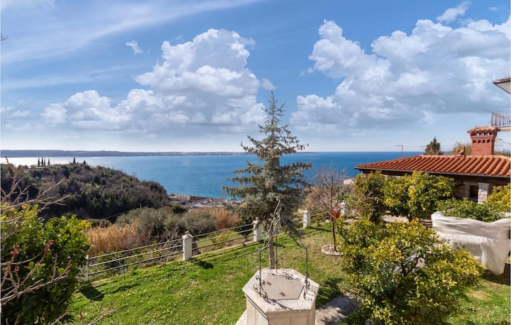 Stunning apartment in Piran with WiFi and 1 Bedrooms
