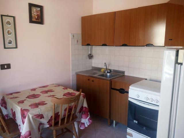 Appartamentino in centro (350 metri dal mare)