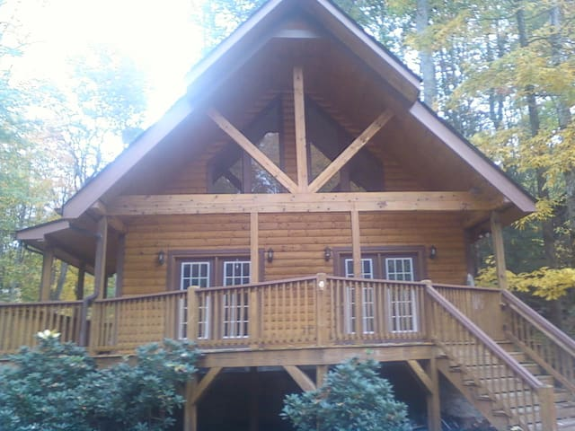 Unfurnished room to rent for a few days - Maggie Valley