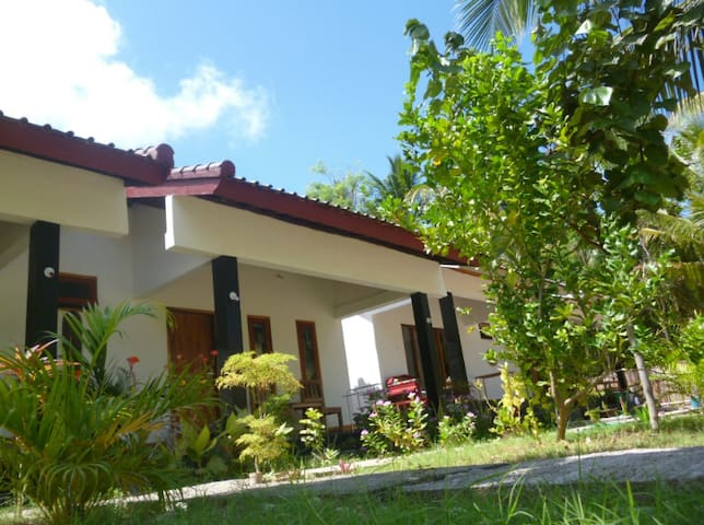 Private Guesthouse Near BUS STATION & biggest mall