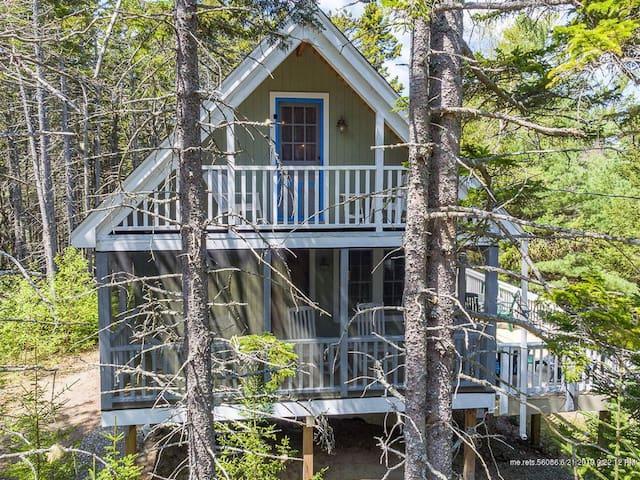 Custom Built Quaint Knotty Pine Cottage