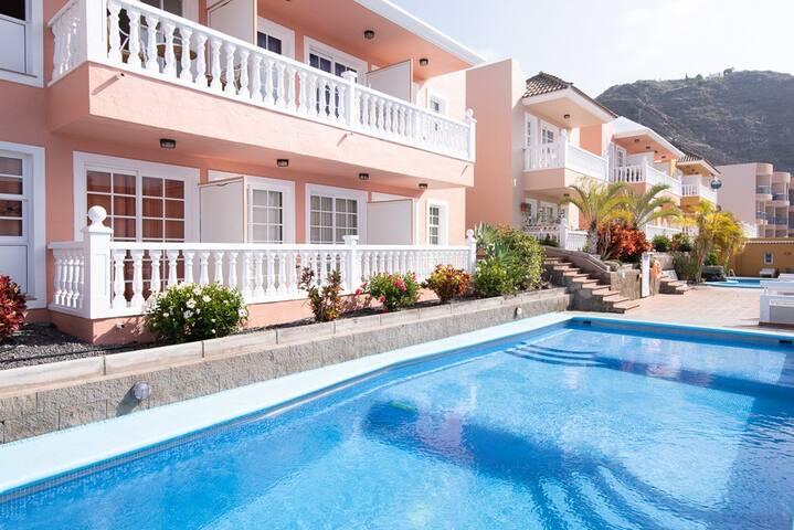 Apartamento Playa Puerto Naos con piscina