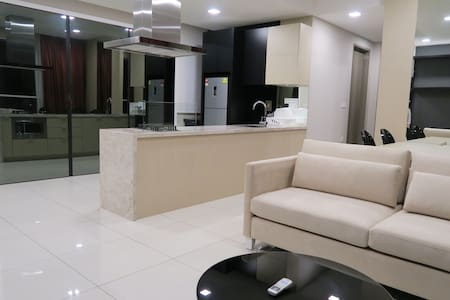 Double Bed, Double Bath Condo for 3 - Wohnung