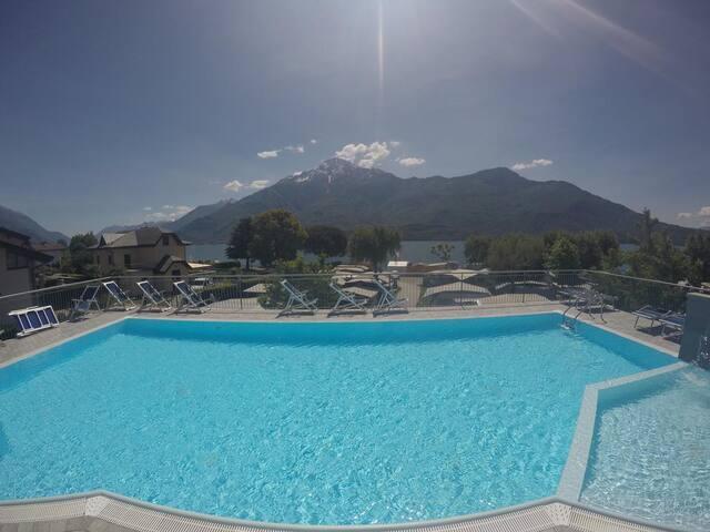 La nostra piscina panoramica