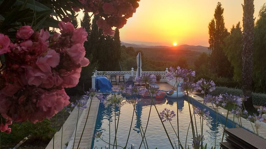 Casa Rural with Private Big Pool & Amazing Sunsets