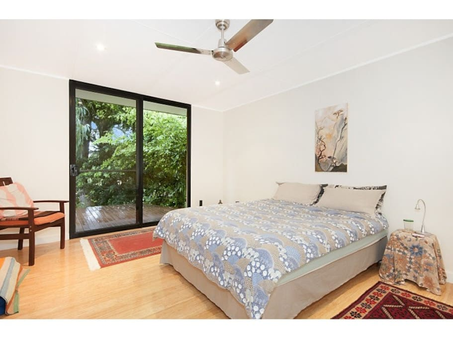 One kingsize bed with latex mattress
