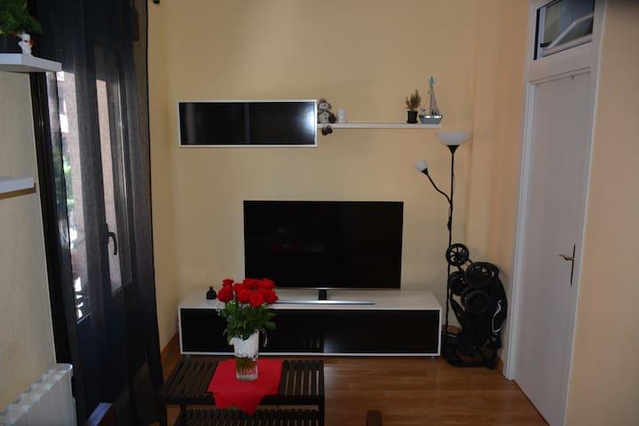 Habitación luminosa, impecable y minimalista!
