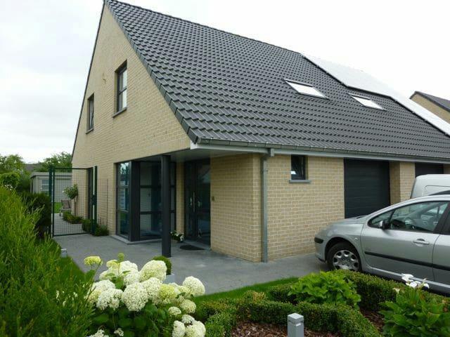 Gezinvriendelijk huis Eeklo tussen Gent en Brugge - Eeklo - Huis