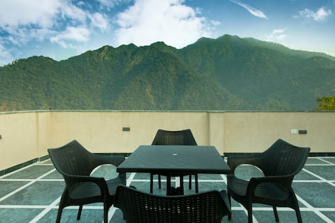 Two En suite rooms for 4 Adults in Rishikesh