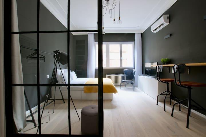 Hi5 Apartments 180 - Sudio in the main center