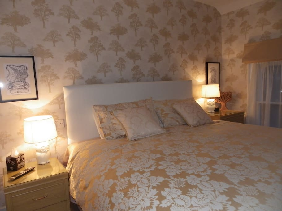 Soft and muted colours make for a relaxed and comfortable stay,