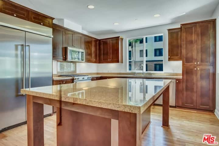 Beautiful 3 BR 2 Ba Condo with 2 car PRIVATE GARGE