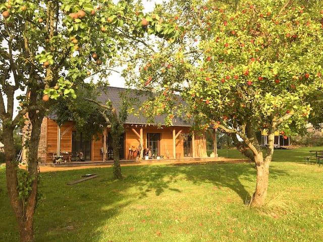 Ranchlife, Privat Großterrasse & Garten am See - Wesenberg - Apartamento