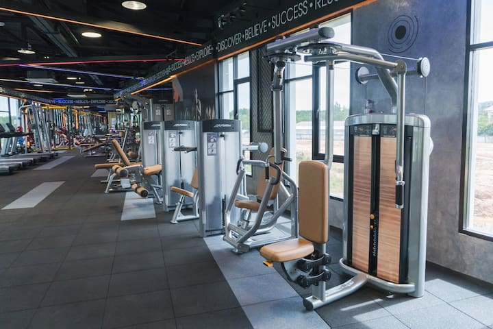 Long Stay Phuket Town Size 36 SQM Salt Pool Gym