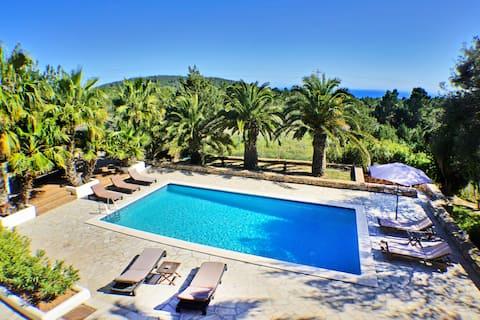 Ibiza Beautiful450m2 sea view Villa in Es Cubells.