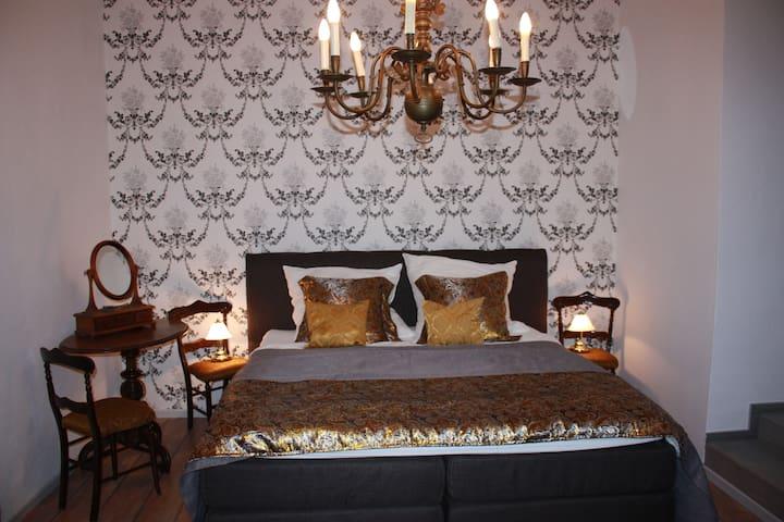 Schlosserie Braunsbach-wildromantisch übernachten
