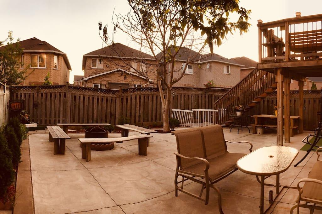 Beautiful backyard to enjoy the wonderful weather