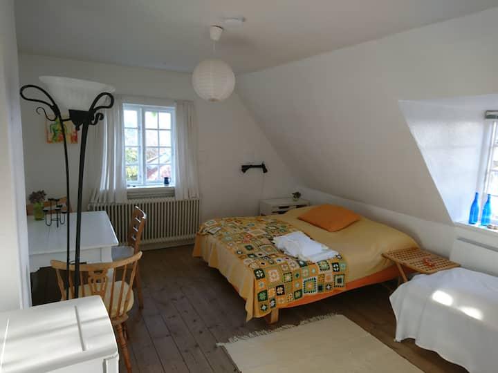 Bed & Breakfast. Skagen (Gule værelse)