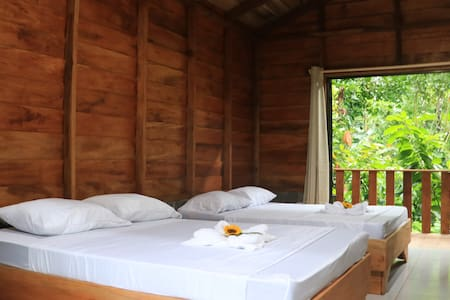 Arenal Cacao House - Hummingbird Room