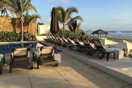 Apartment with private beach club, Diamante - Acapulco