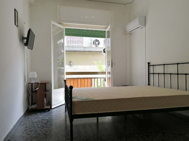 Clean and quiet apartment(201)-Central Athens