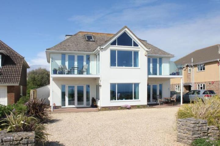 Needles View, 5th to 12th August available **