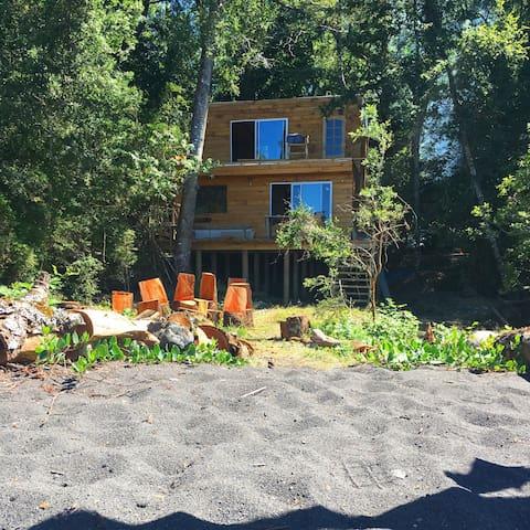 Casa a orilla de lago Calafquén - Licanray - Talo
