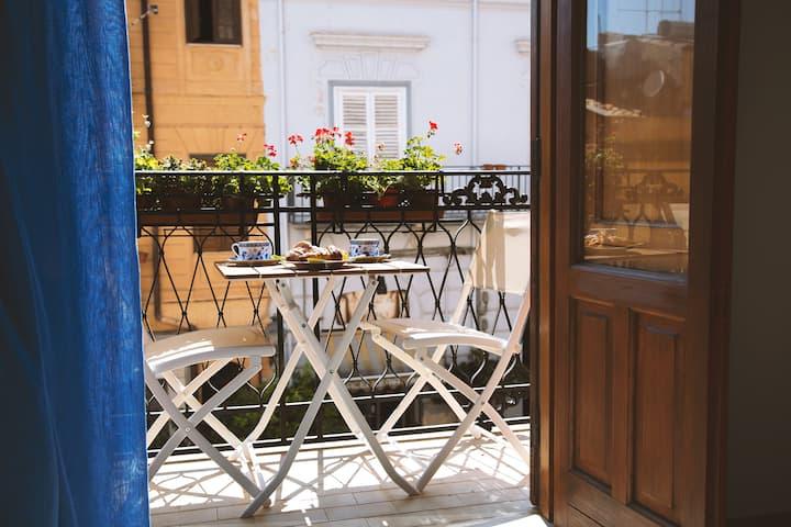 Spacious apartment in the heart of Castellammare